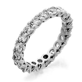 Picture of Fancy shared prong eternity band